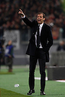 Calcio, Serie A: Roma vs Juventus. Roma, stadio Olimpico, 2 marzo 2015.<br /> Juventus coach Massimiliano Allegri gestures to his players during the Italian Serie A football match between AS Roma and Juventus at Rome's Olympic stadium, 2 March 2015.<br /> UPDATE IMAGES PRESS/Isabella Bonotto
