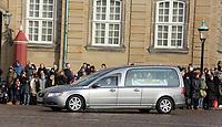 Prince Henrik coffin 021518