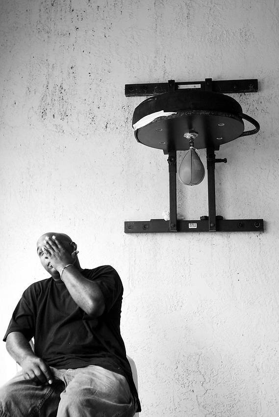 ARTURO GATTI (8/12) --Portrait of trainer Buddy McGirt at his Elite Boxing gym after his boxer, Arturo Gatti, left the building following a not-so-enthusiastic workout in preparation for Gatti's June 25th fight against Floyd Mayweather in Atlantic City.  (4/12/2005)  VERO BEACH, FL