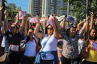 SÃO BERNARDO DO CAMPO -SP- 21.05.2015 - SERVIDORES-SP -  Servidores públicos municipais da cidade de São Bernardo do Campo que estão paralisados desde o dia 13 deste mês, fecham as ruas do centro de São Bernardo do Campo na manhã desta quinta-feira,21. Grevistas pedem reajuste salarial de 12,5% entre outros benefícios. (Foto: Renato Mendes/Brazil Photo Press)