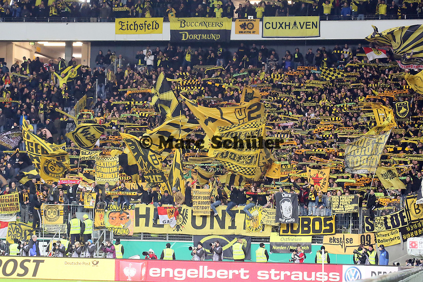 Dortmunder Fans feiern - Eintracht Frankfurt vs. Borussia Dortmund, DFB-Pokal Viertelfinale