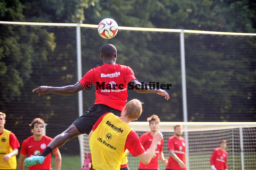 Kopfball Constant Djakpa gegen Jan Rosenthal (Eintracht)