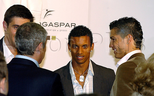 16.11.2008  Nani with Cristiano Ronaldo (both Manchester United) and Premier minister Jose Socrates (Portugal) speaks with Antonio Gaspar