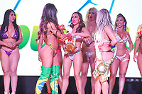 CIDADE DO MÉXICO, MÉXICO, 30.09.2019 - MISS-BUMBUM - Representante da Itália Marjara Petito tem ataque de fúria e tenta roubar faixa Suzy Cortez vencedora do concurso Miss Bumbum World na ForoTotal Play na Cidade do México na capital mexicana nesta segunda-feira, 30. (Foto: William Volcov/Brazil Photo Press)