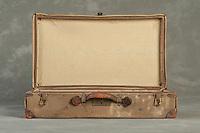 Willard Suitcases / Gertrude P / ©2014 Jon Crispin