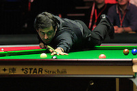 Ronnie O'Sullivan pots the pink during the Dafabet Masters FINAL between Barry Hawkins and Ronnie O'Sullivan at Alexandra Palace, London, England on 17 January 2016. Photo by Liam Smith / PRiME Media Images