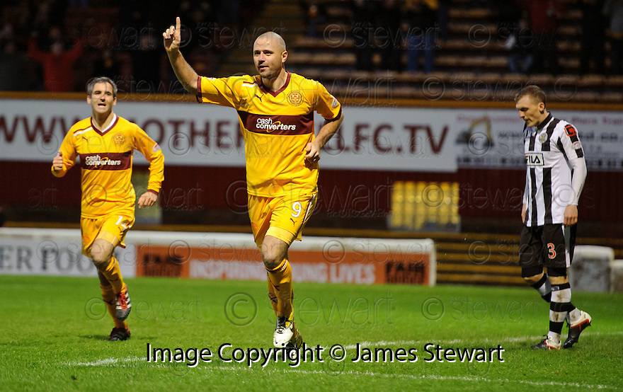 MOTHERWELL'S MICHAEL HIGDON CELEBRATES AFTER HE SCORES MOTHERWELL'S GOAL ..17/12/2011 sct_jsp007_motherwell_v_st_mirren     .Copyright  Pic : James Stewart.James Stewart Photography 19 Carronlea Drive, Falkirk. FK2 8DN      Vat Reg No. 607 6932 25.Telephone      : +44 (0)1324 570291 .Mobile              : +44 (0)7721 416997.E-mail  :  jim@jspa.co.uk.If you require further information then contact Jim Stewart on any of the numbers above.........