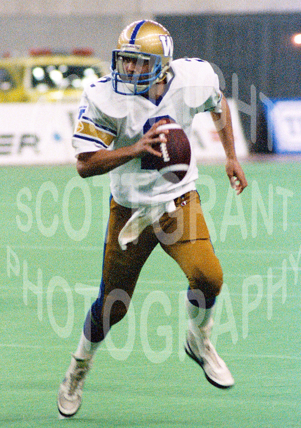 Tom Clements Winnipeg Blue Bombers 1986. Photo John Bradley