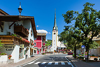 Oesterreich, Salzburger Land, Tennengau, im Lammertal, Abtenau: Ortszentrum mit Pfarrkirche St. Blasius | Austria, Salzburger Land, Tennengau, Valley Lammertal, Abtenau: town centre with paraish church Saint Blaise