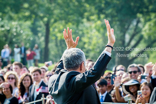Prime Minister Lee Hsien Loong of Singapore greets guests during official welcoming ceremonies on the South Lawn of the White House in Washington, DC on August 2, 2016. Lee is on a State Visit to the United States.  <br /> Credit: Pete Marovich / Pool via CNP
