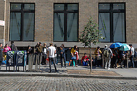 New York, NY 19 September 2014 - Crowds outside the Soho Apple store for the release of iPhone 6