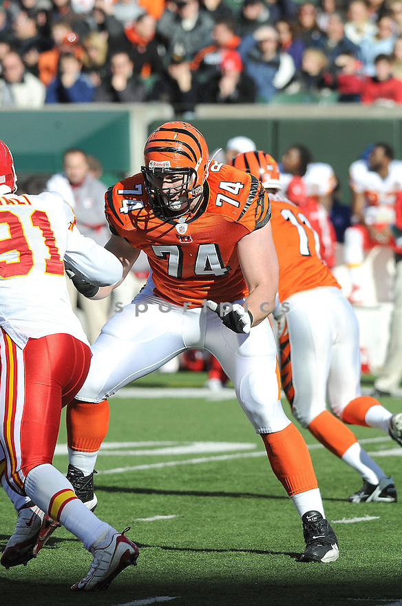DENNIS ROLAND, of the  Cincinnati Bengals , in action  during the Bengals game against the Kansas CIty Chiefs on December 29, 2008 in Cincinnati, OH...Bengals win 16-6