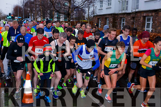 And their off, at the start of the Optimal Fitness 5 & 10k run on New Years Eve morning.