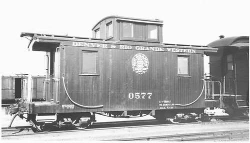 Short caboose #0577.<br /> D&amp;RGW  Durango, CO  Taken by Wurm, Ted - 7/18/1939