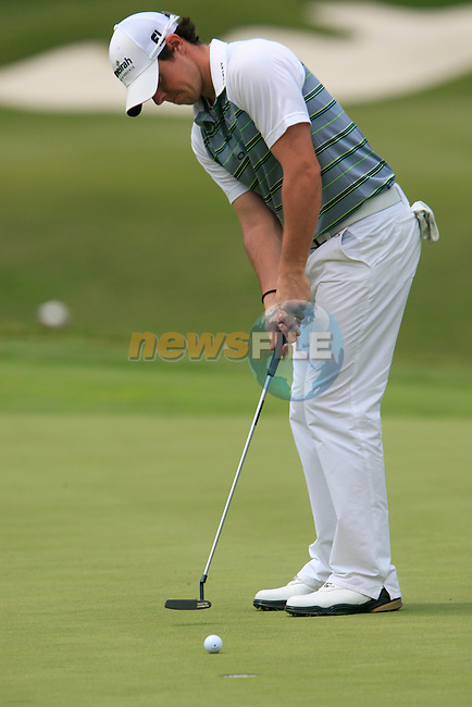Rory McIlroy (N.IRL) misses his putt on the 1st green during the afternoon session on Day 2 of the Volvo World Match Play Championship in Finca Cortesin, Casares, Spain, 20th May 2011. (Photo Eoin Clarke/Golffile 2011)