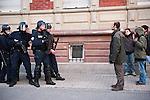 """Xavier Renou, porte-parole du groupe activiste """"Les Desobeissants"""", fait face aux forces de l'ordre lors d'un sit-in d'une trentaine de personnes Boulevard Clémenceau, devant l'un des check-points de la zone de securite au matin du début du sommet de l'OTAN à Strasbourg, le 04 avril 2009. .Credit;Hughes Leglise-Bataille/Julien Muguet/face to face"""