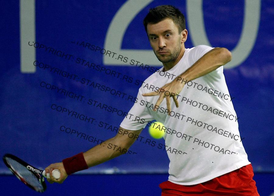 Tennis.Gemax Open 2010.Alex Bogdanovic (GBR) Vs. Michal Przysiezny (POL).Michal Przysiezny returnes.Belgrade, 17.02.2010..foto: Srdjan Stevanovic©