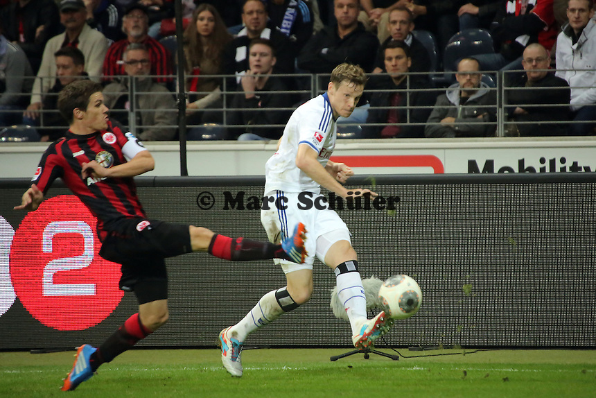 Marcell Jansen (HSV) gegen Sebastian Jung (Eintracht) - Eintracht Frankfurt vs. Hamburger SV, Commerzbank Arena