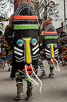BOGOTÁ-COLOMBIA-12-03-2016. El desfile inaugural del XV Festival Iberoamericano de Teatro llenó las calles del centro de Bogota con 26 comparsas nacionales, 1000 artistas, una batucada y México como invitado de honor. Este es el festival de teatro más grande del mundo y se lleva a cabo en Bogotá entre el 11 y el 27 de marzo de 2016. / The inaugural parade of the XV Ibero-American Theater Festival filled the streets of Bogota with 26 domestic troupes, artists 1000, batucada and Mexico as guest of honor. This is the world's largest theater festival and is held in Bogota between 11 and 27 March 2016.  Photo: VizzorImage / Dallana Gonzalez / Cont