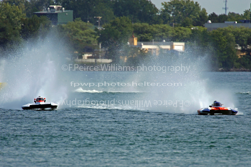 """(L to R): H-16 and Richard Haineault, H-2 """"Miss Beauharnois"""" (H350 Hydro)"""