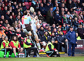 3rd December 2017, Twickenham Stoop, London, England; Aviva Premiership rugby, Harlequins versus Saracens; Tim Visser of Harlequins takes the high kick