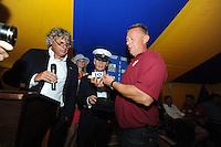 SKUTSJESILEN: GROU: Tent Halbertsmaplein, 27-07-2012, Jan Feike Hoekstra (voorzitter SKG), Sicco van der Meer (SKG), schipper Lodewijk Hzn. Meeter (Huizum), ©foto Martin de Jong