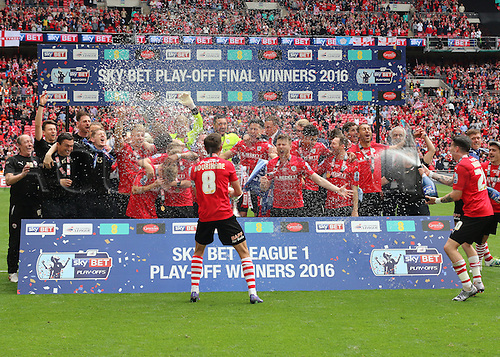 29.05.2016. Wembley Stadium, London, England. Skybet League One Play Off Final. Barnsley versus Millwall. Barnsley celebrate winning the play offs and promotion to the championship after beating Millwall by a score of 3-1