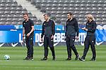 10.09.2017, Olympiastadion, Berlin, GER, 1.FBL, Hertha BSC vs SV Werder Bremen<br /> <br /> im Bild<br /> Robert Schr&ouml;der (4. Offizieller Schiedsrichter / 4th referee), Thomas Stein (Schiedsrichter-Asstent / SR-A. 2), Christof G&uuml;nsch (Schiedsrichter-Asstent / SR-A. 1), Bibiana Steinhaus (Schiedsrichterin / referee), <br /> <br /> Foto &copy; nordphoto / Ewert