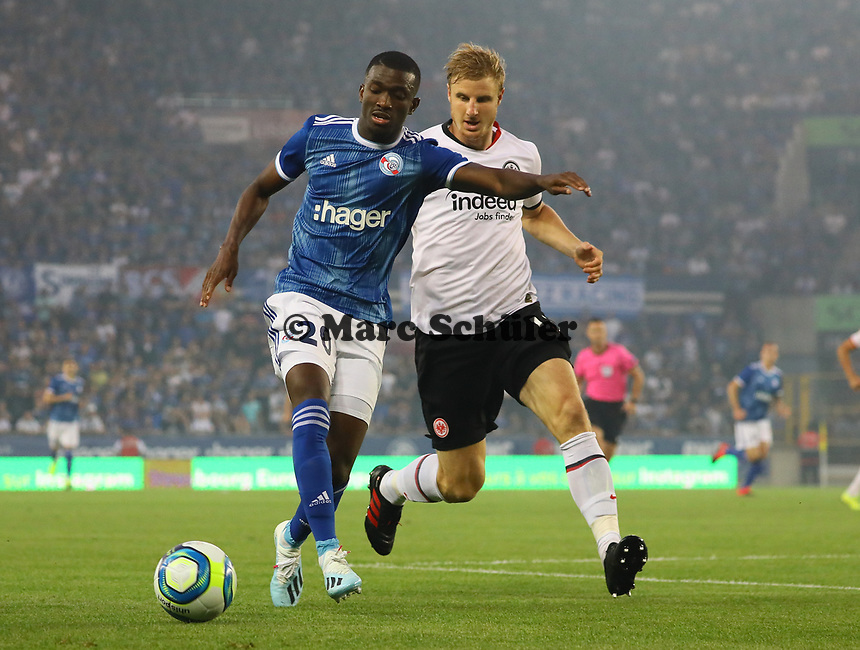 Martin Hinteregger (Eintracht Frankfurt) gegen Kevin Lucien Zohi (Racing Club de Strasbourg Alsace)  - 22.08.2019: Racing Straßburg vs. Eintracht Frankfurt, UEFA Europa League, Qualifikation, Commerzbank Arena<br /> DISCLAIMER: DFL regulations prohibit any use of photographs as image sequences and/or quasi-video.