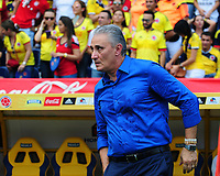 BARRANQUILLA - COLOMBIA -05-09-2017: Tite técnico de Brasil durante partido contra de Colombia de la fecha 16 por la clasificación a la Copa Mundial de Tite Guillermo Hoyos coach of Brazil during match against Colombia of the date 16 for the qualifier to FIFA World Cup Russia 2018 played at Metropolitan stadium Roberto Melendez in Barranquilla. Photo: VizzorImage / Alfonso Cervantes / Cont