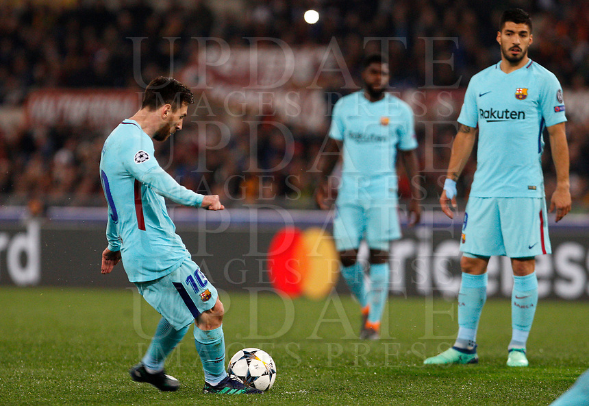 FC Barcelona Lionel Messi, left, kicks a free kick during the Uefa Champions League quarter final second leg football match between AS Roma and FC Barcelona at Rome's Olympic stadium, April 10, 2018.<br /> UPDATE IMAGES PRESS/Riccardo De Luca
