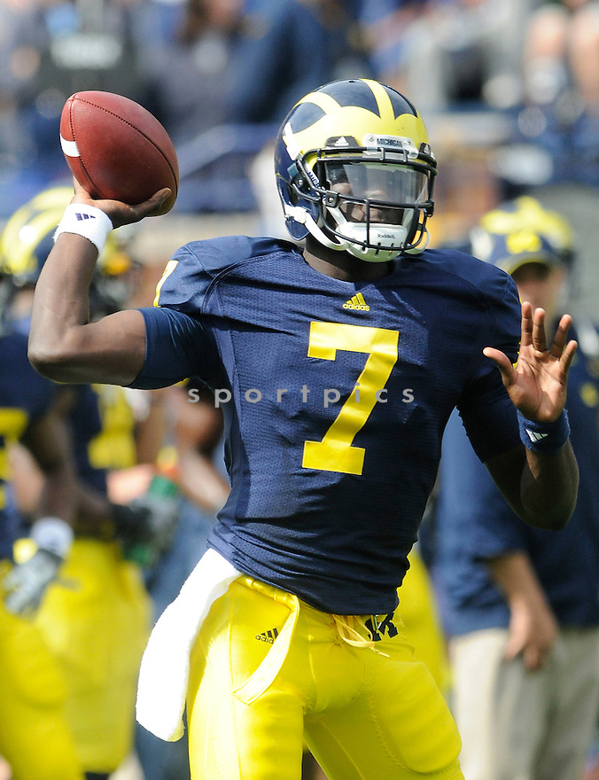 DEVIN GARDNER, of University of Michigan, in action during the MICHIGAN game against the UMass on September 18, 2010 in Ann Arbor, Michigan...Michigan wins 42-37..SportPics