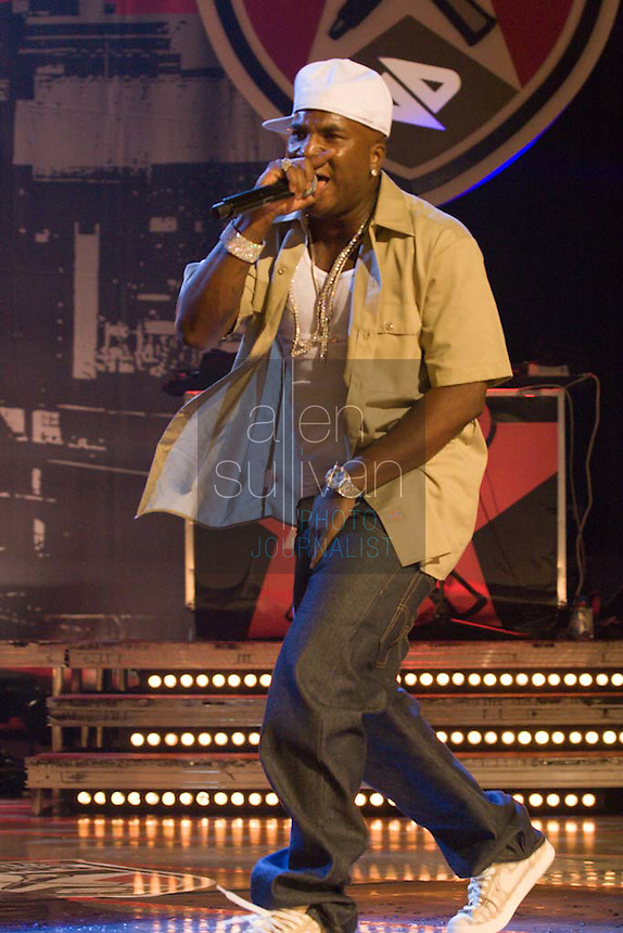 Young Jeezy performs during a Boost Mobile RockCorps concert at The Fox Theatre in Atlanta on Saturday, June 9, 2007.