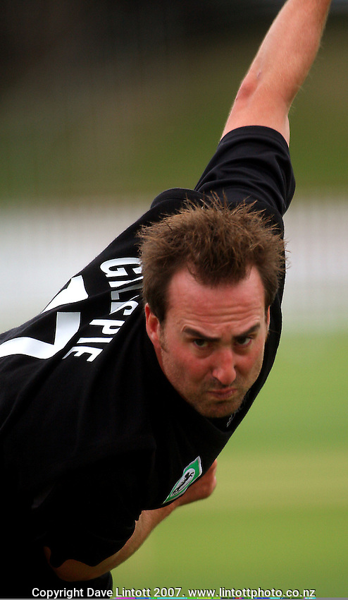 Mark Gillespie bowls during the Black Caps nets practice in the build-up for the National Bank Test Match Series second test between New Zealand Black Caps and England at the Allied Prime Basin Reserve,Wellington, New Zealand on Tuesday, 11 March 2008. Photo: Dave Lintott / lintottphoto.co.nz