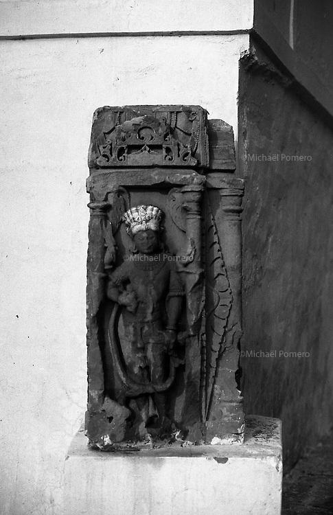 11.2010 Pushkar (Rajasthan)<br /> <br /> Statue in a wall.<br /> <br /> Statue sur un mur.