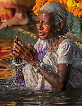 India, Uttar Pradesh, Varanasi, pilgrims bathe in the Ganges
