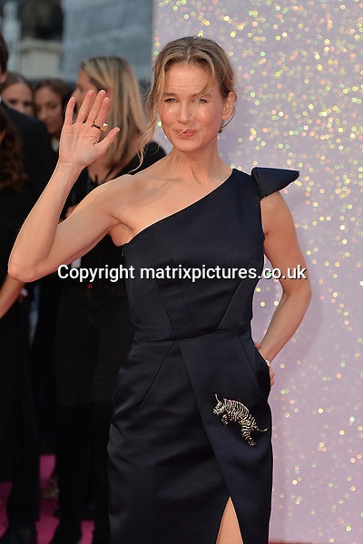NON EXCLUSIVE PICTURE: MATRIXPICTURES.CO.UK<br /> PLEASE CREDIT ALL USES<br /> <br /> WORLD RIGHTS<br /> <br /> American &quot;Bridget Jones&quot; actress Renee Zellweger attends the world premiere of &quot;Bridget Jones's Baby&quot; at Leicester Square in London.<br /> <br /> SEPTEMBER 5th 2016<br /> <br /> REF: JWN 162864