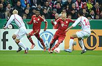 FUSSBALL  DFB POKAL       SAISON 2012/2013 FC Bayern Muenchen - 1 FC Kaiserslautern  31.10.2012 (v.li.) Leon Jessen (1. FC Kaiserslautern) gegen David Alaba (FC Bayern Muenchen) gegen Arjen Robben (FC Bayern Muenchen) gegen Enis Hajri (1. FC Kaiserslautern)