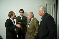 """Der Junge Freiheit-Journalist Billy Six war am Dienstag den 26. Maerz 2013 zu Gast bei der Deutsch Arabischen Gesellschaft (DAG) und erzaehlte von seinen Eindruecken in Syrien.<br />Six wurde im Dezember 2012 in Syrien von Regierungstruppen festgenommen und wurde nach dreimonatiger Haft im Maerz 2013 freigelassen.<br />Im Bild vlnr.: Billy Six; Dieter Stein, Chefredakteur der rechtsgerichteten Zeitung """"Jungen Freiheit""""; Prof. Dr. Peter Scholl-Latour, DAG-Praesident; Friedrich Kurz, ZDF-Mitarbeiter und DAG-Beiratsmitglied.<br />26.3.2013, Berlin<br />Copyright: Christian-Ditsch.de<br />[Inhaltsveraendernde Manipulation des Fotos nur nach ausdruecklicher Genehmigung des Fotografen. Vereinbarungen ueber Abtretung von Persoenlichkeitsrechten/Model Release der abgebildeten Person/Personen liegen nicht vor. NO MODEL RELEASE! Don't publish without copyright Christian-Ditsch.de, Veroeffentlichung nur mit Fotografennennung, sowie gegen Honorar, MwSt. und Beleg. Konto:, I N G - D i B a, IBAN DE58500105175400192269, BIC INGDDEFFXXX, Kontakt: post@christian-ditsch.de<br />Urhebervermerk wird gemaess Paragraph 13 UHG verlangt.]"""
