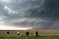 Storm Chasers Photograph a Rotating Severe Supercell Thunderstorm in Hill City, Kansas, May 22, 2007