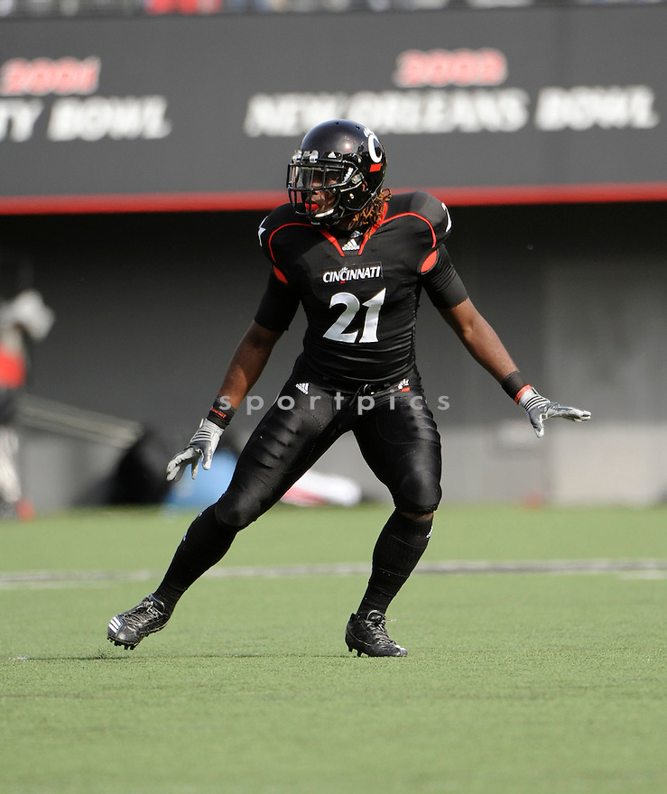 CAMERRON CHEATHAM, in action during the Cincinnati Bearcats game against the Syracuse Orangemen on October 30, 2010, at Nippert Stadium in Cincinnati, Ohio...Syracuse won 31-7..