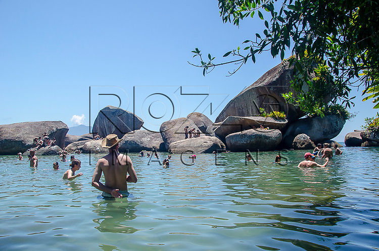 Piscina natural do Cachadaço, Vila de Trindade - Paraty- RJ, 12/2013.