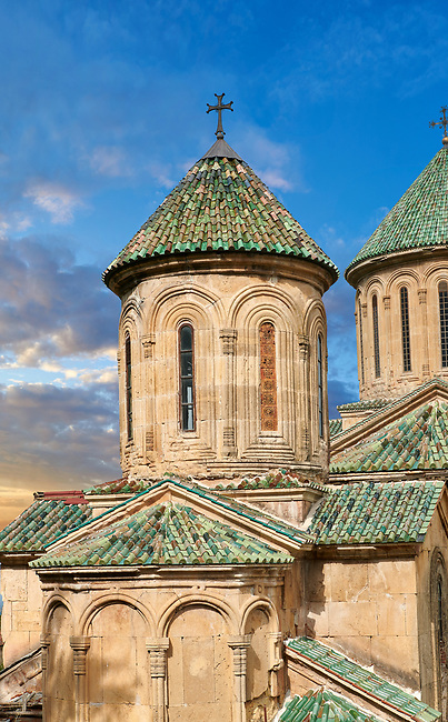 Pictures & images of the central cupolas of Gelati Georgian Orthodox church of St George. The medieval Gelati monastic complex near Kutaisi in the Imereti region of western Georgia (country). A UNESCO World Heritage Site.