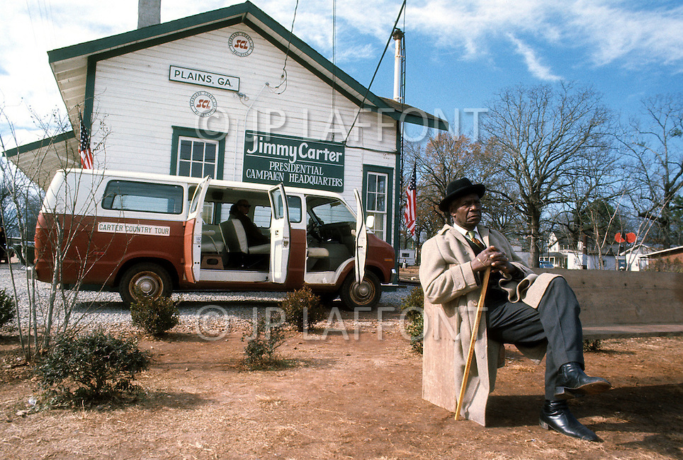 December 1976. Plains, Georgia. Jimmy Carter presidential campaign headquarters in the center of town.