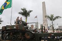 SAO PAULO, SP, 09.07.2013 - DESFILE 9 DE JULHO - Desfile em comemoração à Revolução Constitucionalista de 1932, neste 9 de Julho, em São Paulo. (Foto: Vanessa Carvalho / Brazil Proto Press).