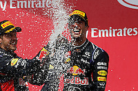 MONTREAL, CANADA, 08.06.2014 - F1 GP DO CANADA -  O piloto australiano Daniel Ricciardo (c), da Red Bull, comemora após vencer o GP do Canadá, realizado no circuito Gilles Villeneuve, em Montreal, neste domingo.  (Foto: Pixathlon / Brazil Photo Press).