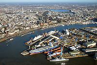 Blohm und Voss : EUROPA, DEUTSCHLAND, HAMBURG, (EUROPE, GERMANY), 02.12.2016: Blohm+Voss auf Steinwerderam s&uuml;dlichen Ufer der Norderelbe. Sie wurde 1877 gegr&uuml;ndet und gilt als letzte der Gro&szlig;werften im Hamburger Hafen. Seit 1996 sind die Gesch&auml;ftsbereiche der Werft in eigenst&auml;ndige Gesellschaften &uuml;berf&uuml;hrt: die Blohm + Voss Shipyard GmbH f&uuml;r Schiffbau, die Blohm + Voss Repair GmbH f&uuml;r Schiffsreparaturen sowie die Blohm + Voss Industries GmbH f&uuml;r Maschinen- und Anlagenbau.<br /> Seit dem 28. September 2016 &uuml;bernahme durch die  L&uuml;rssen Werft.