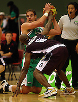 Jets forward Chris Reay looks for support from his knees during the NBL match between Manawatu Jets and Harbour Heat at Arena Manawatu, Palmerston North, New Zealand on Saturday 17 April 2010. Photo: Dave Lintott / lintottphoto.co.nz