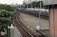 SAO PAULO, 16 DE MAIO DE 2012 - CHOQUE DE TRENS METRO LINHA VERMELHA SP - Trilhos sem movimentacao de trens na estacao carrao devido ao acidente entre dois trens que se chocaram na manha de hoje entre as estacoes Carrao e Penha da linha vermelha. Os trens estao fazendo o trajeto sentido leste somente ate a estacao Tatuape. FOTO:ALEXANDRE MOREIRA - BRAZIL PHOTO PRESS