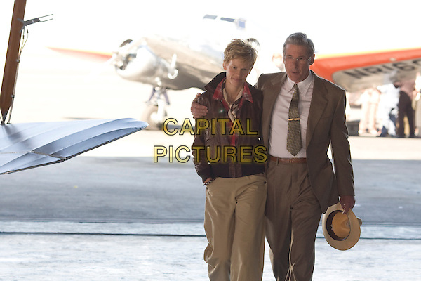 HILARY SWANK, RICHARD GERE.Amelia (2009).*Filmstill - Editorial Use Only*.CAP/FB.Supplied by Capital Pictures.